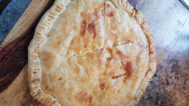 Rustic Ham & Cheddar Pie